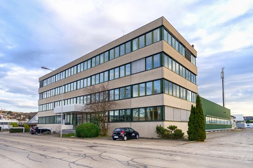 Office and commercial property Bachenbülach